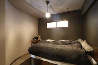 夢だった築古マンションのリノベを実現、ベッドルーム