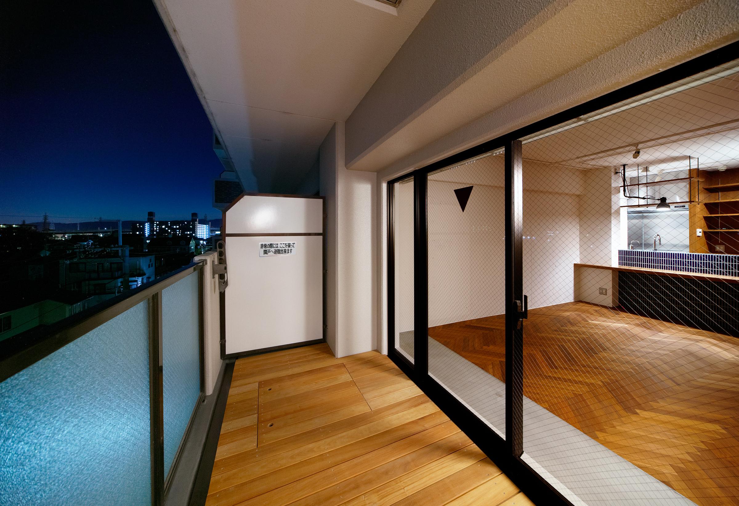 横須賀の週末住宅、リビングルーム