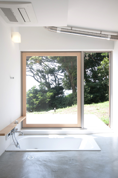 横須賀の週末住宅、バスルーム