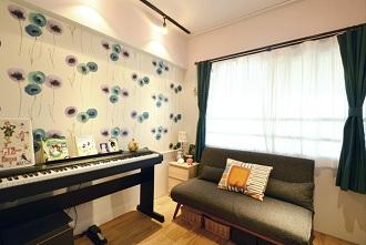 ゲストルーム、ピアノ