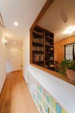 本棚,土間,廊下