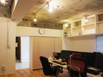 「H2DO一級建築士事務所」のマンションリノベーション(SOHO)事例「ハリとコアガリ」