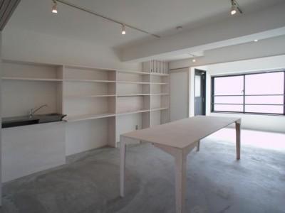 「H2DO一級建築士事務所」のマンションリノベーション(SOHO)事例「ドマとサンルーム」