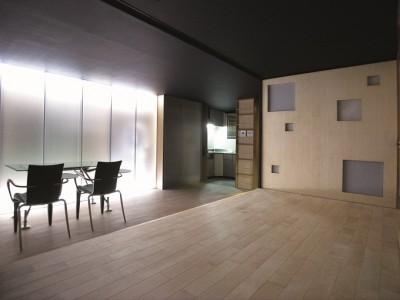 「H2DO一級建築士事務所」のマンションリノベーション(SOHO)事例「都心で暮らすための機能とアイディアを凝縮」