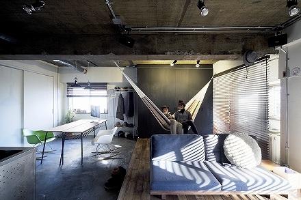 「SHUKEN 株式会社秀建」のリノベーション事例「ハンモックで過ごす休日~長く使いこまれた新しい空間~」