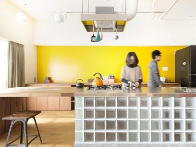 「ブルースタジオ」のマンションリノベーション事例「なじみの街で見つけたヴィンテージなメゾネットに住む」