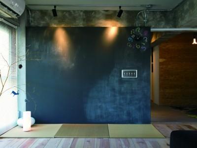 「リノベの最新情報」の「《リノベのトレンドvol.8》カフェ世代だから? 黒板塗装はハズせない」