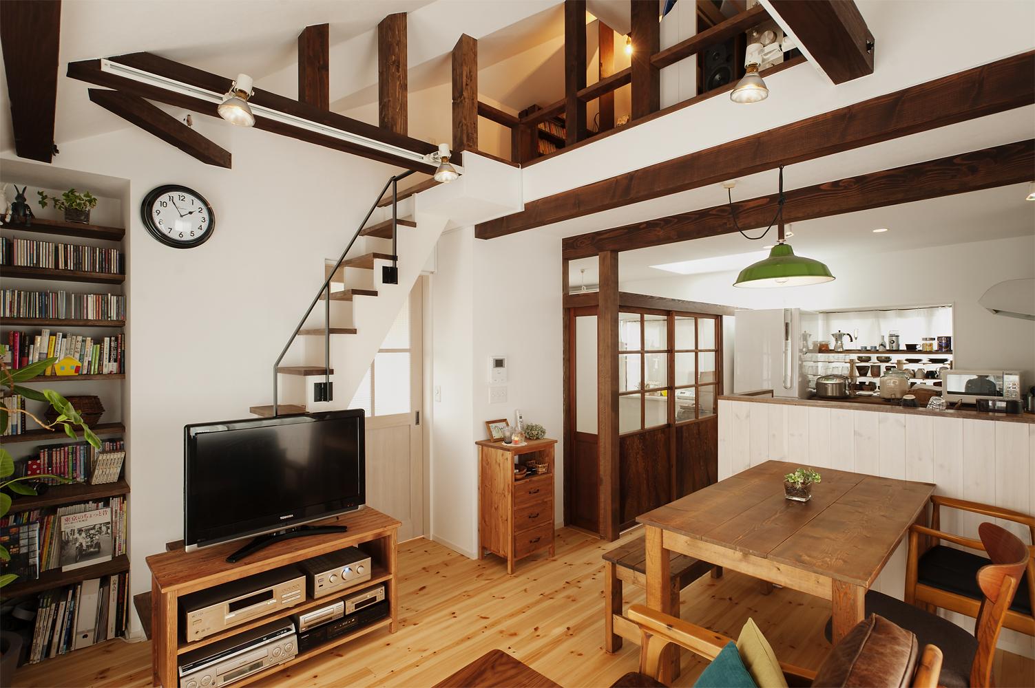 「スタイル工房」のリノベーション事例「築20年の一戸建てをリノベ。 明るい2階リビングで実現した家族時間」