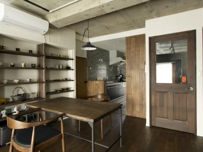 「スタイル工房」のマンションリノベーション(SOHO)事例「憧れとこだわりを随所に詰め込んだ住まいで 仕事とプライベートの切り替えも快適に!」