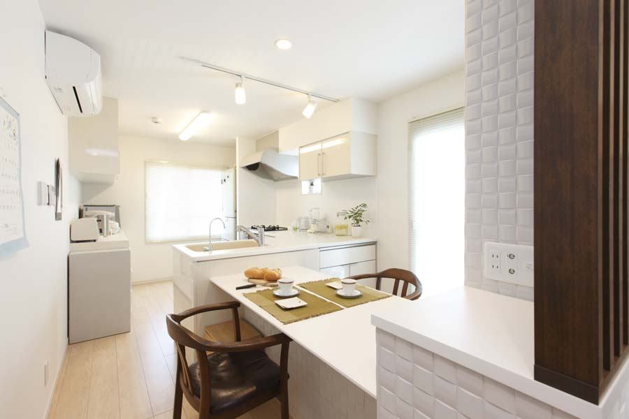 「リノベーション東京」のリノベーション事例「最上階角部屋の住み慣れた我が家を一新! 断熱リフォームで夫婦がゆったり過ごせる家に。」