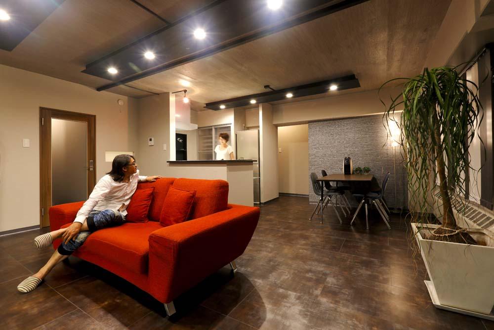 「株式会社i・e・sリビング倶楽部」のリノベーション事例「ヴィンテージマンションを モダンなインテリアが映える空間に」