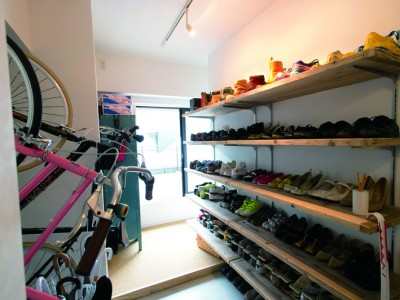 「リノベの最新情報」の「靴収納はオープンでいいんです《リノベのトレンドvol.9》」