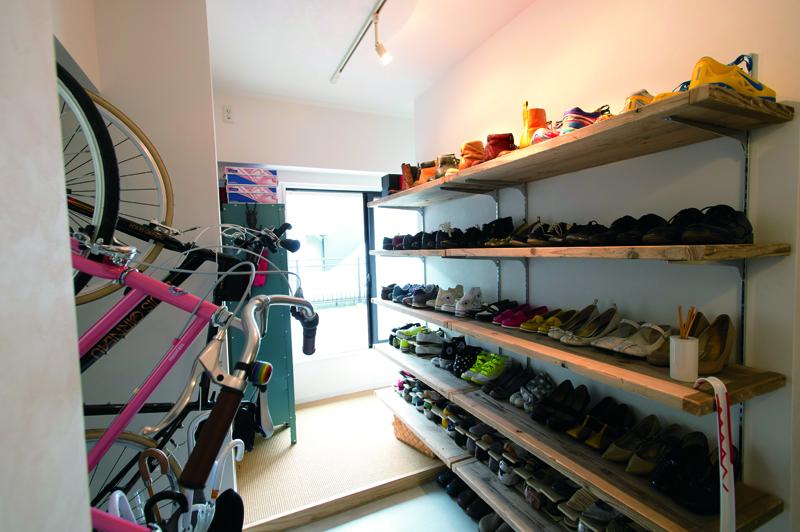 「リノベの最新情報」の「《リノベのトレンドvol.9》靴収納はオープンでいいんです」