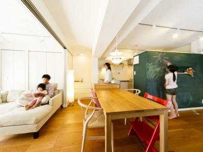「インテリックス空間設計」のリノベーション事例「暮らしやすさとデザインのバランスが◎。予算内でやりたいことができた」