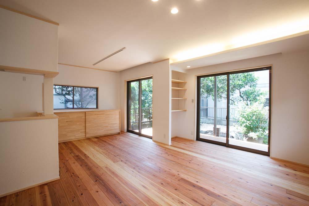 「株式会社駿河屋」のリノベーション事例「奥様のこだわりの収納 「新月の白い家」」