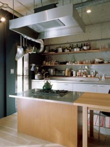 石井大吾、キッチンカウンター、オープン棚、見せる収納