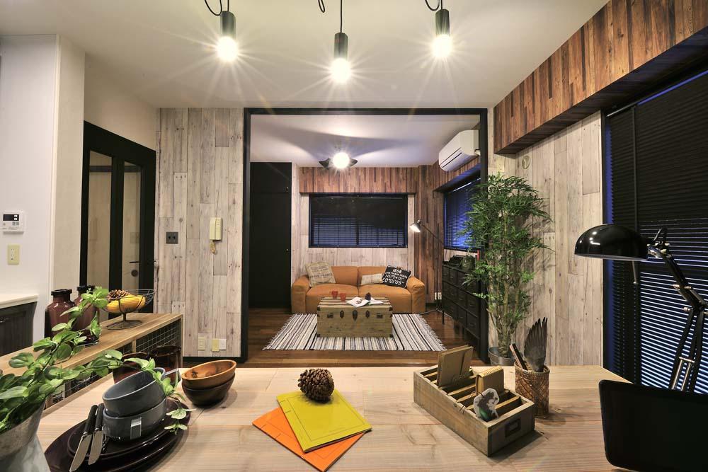 「RE住む(ベツダイ)」のリノベーション事例「シンプルで深みのあるスタイリッシュモダンな家」