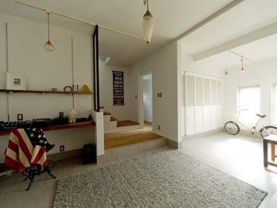 「GLADDEN」の戸建リノベーション事例「暮らし方もデザインも海外仕様。 空間をフレキシブルに使う家」