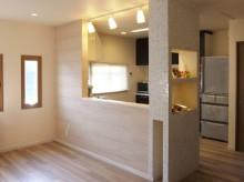 キッチン、タイル壁、無垢、パイン材、ロクサ株式会社