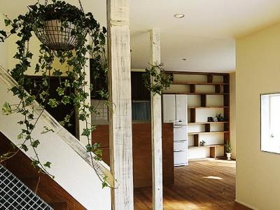 「ROKUSA」のリノベーション事例「造作家具&アンティーク調の小ワザが効いた「かわいい」お家」