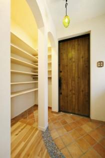 アーチ壁、珪藻土、玄関、すむ図鑑