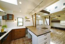 キッチン、タイル、無垢材、作業台、すむ図鑑