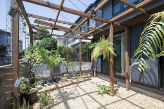 庭、外観、ガーデン、ウッドチップ、パーゴラ、リビタ