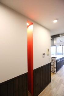 廊下、アクセントカラー、腰壁、ウォルナットカラー、KULABO