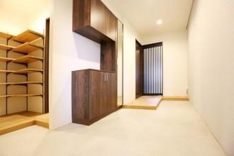 玄関、土間、広々、玄関収納、回遊性、KULABO