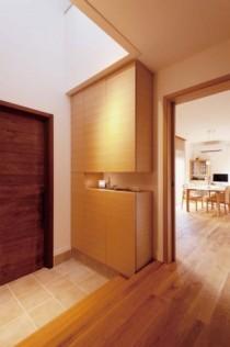 吹き抜け、玄関、木製ドア、スタイル イズ スティルリビング