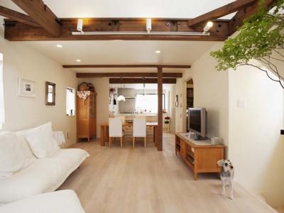 「スタイル工房」のリノベーション事例「2階建て住宅を南仏風にリノベ。素朴でアンティークな雰囲気の空間に」