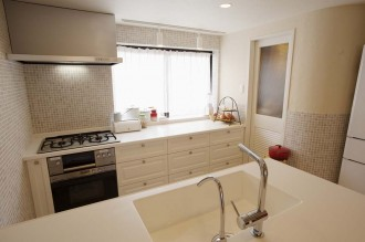 オリジナルキッチン、白、清潔感、広々、スタイル工房