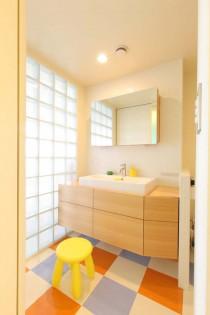 ガラスブロック、洗面室、床、タイル、プラスエム・アーキテクツ
