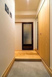 玄関、収納、コンクリート、エントランス、QUALIA クオリア