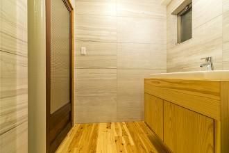 洗面台、杉材、収納、造作、QUALIA クオリア
