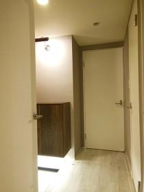玄関、照明、玄関収納、rokusa