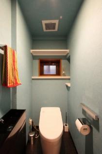 壁紙、クロス、縦長、トイレ、手洗い器、小窓、株式会社 アレックス