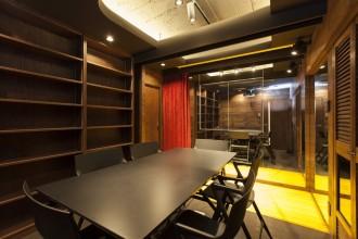 会議室、鏡張り、壁面、リノベーション東京