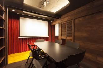 会議室、天井、電動スクリーン、リノベーション東京