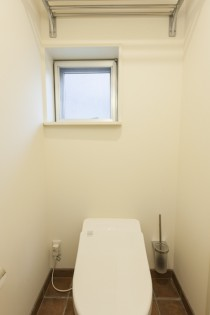 トイレ、タイル床、リノベーション東京