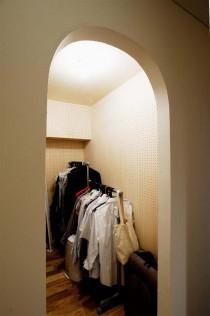 アール壁、納戸、収納、有孔ボード、スタイル工房