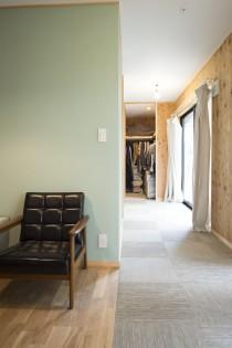 ベッドルーム、WIC、オープン、壁面、塗装、株式会社リビタ