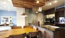 オープン、キッチン、台所、対面、タイル、カフェ、リノまま