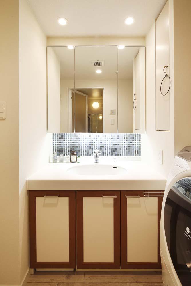 木目、フロアタイル、床、洗面台、スタイル工房