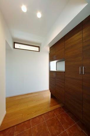 玄関、玄関、収納、靴箱、シューズ、クローゼット、タイル、ロクサ