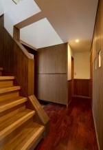階段、玄関、ニッチ壁、すむ図鑑