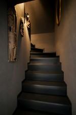 階段、黒、グレー、壁面、QUALIA、クオリア