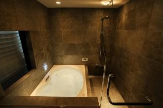 浴室、タイル、バブル・ジェット、ガラス、扉、QUALIA、クオリア