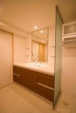 脱衣室、洗面台、ガラス、パーテーション、仕切り、リノベーション東京