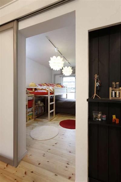 子供部屋、スライドドア、自然光、採光、団地、ロハススタジオ